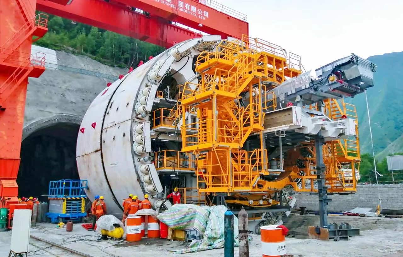 Tuneladora fabricada en China, la más grande del mundo, puesta en uso en Georgia