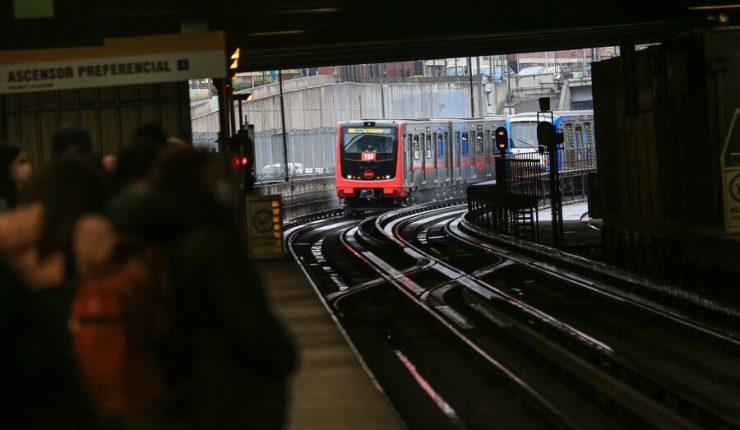 Metro de Santiago anunció licitación que reactiva los proyectos de Línea 8 y Línea 9